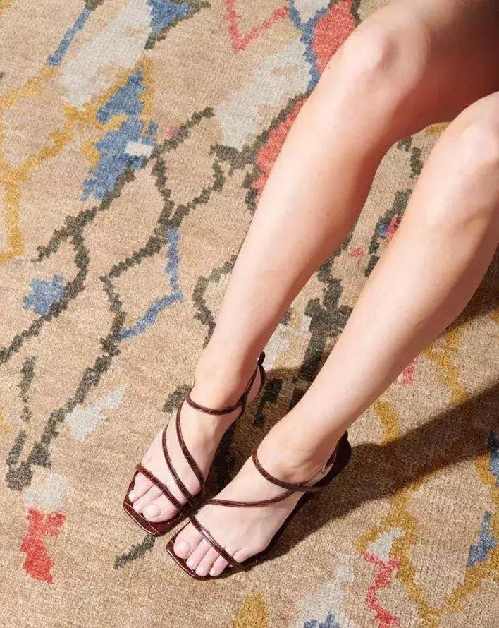 practical square-toed strappy sandals