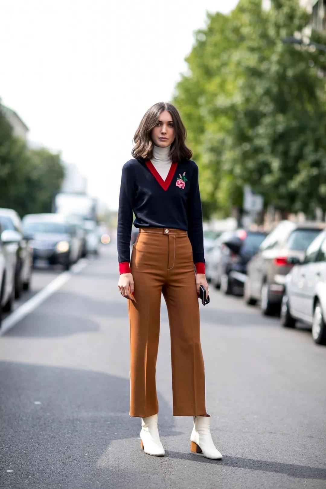 Awesome figure-flattering khaki pants