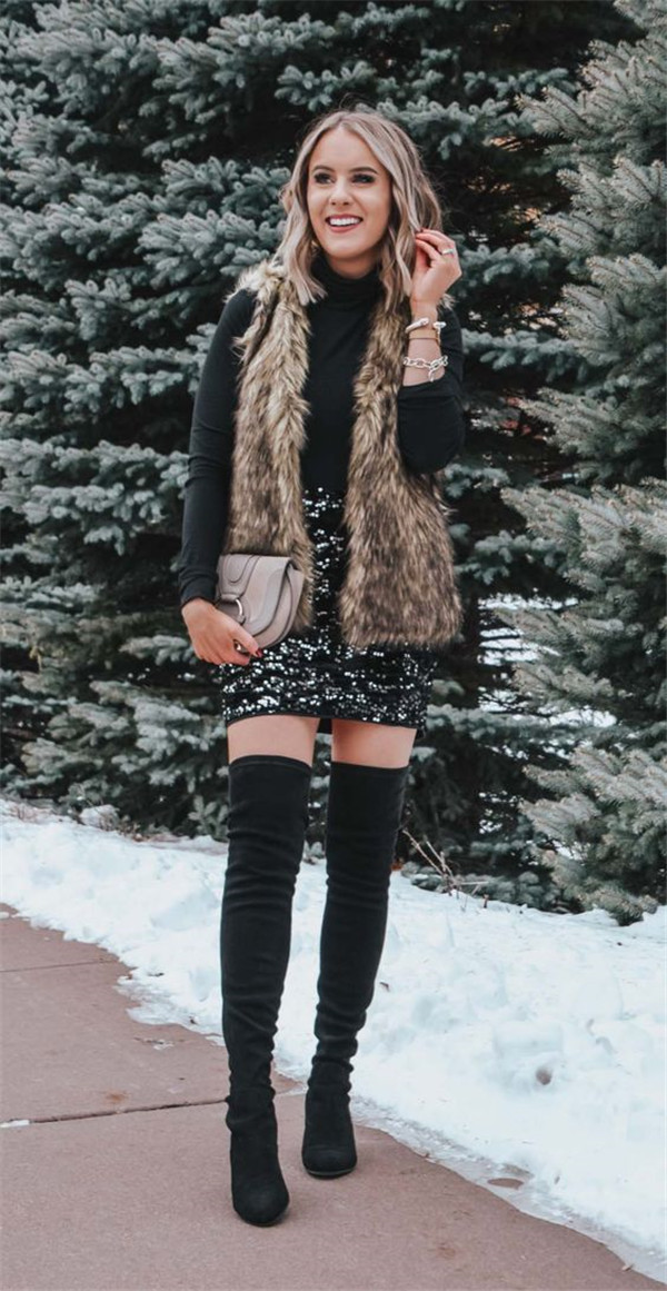 Chic New Year's Eve Outfits You Cannot Miss