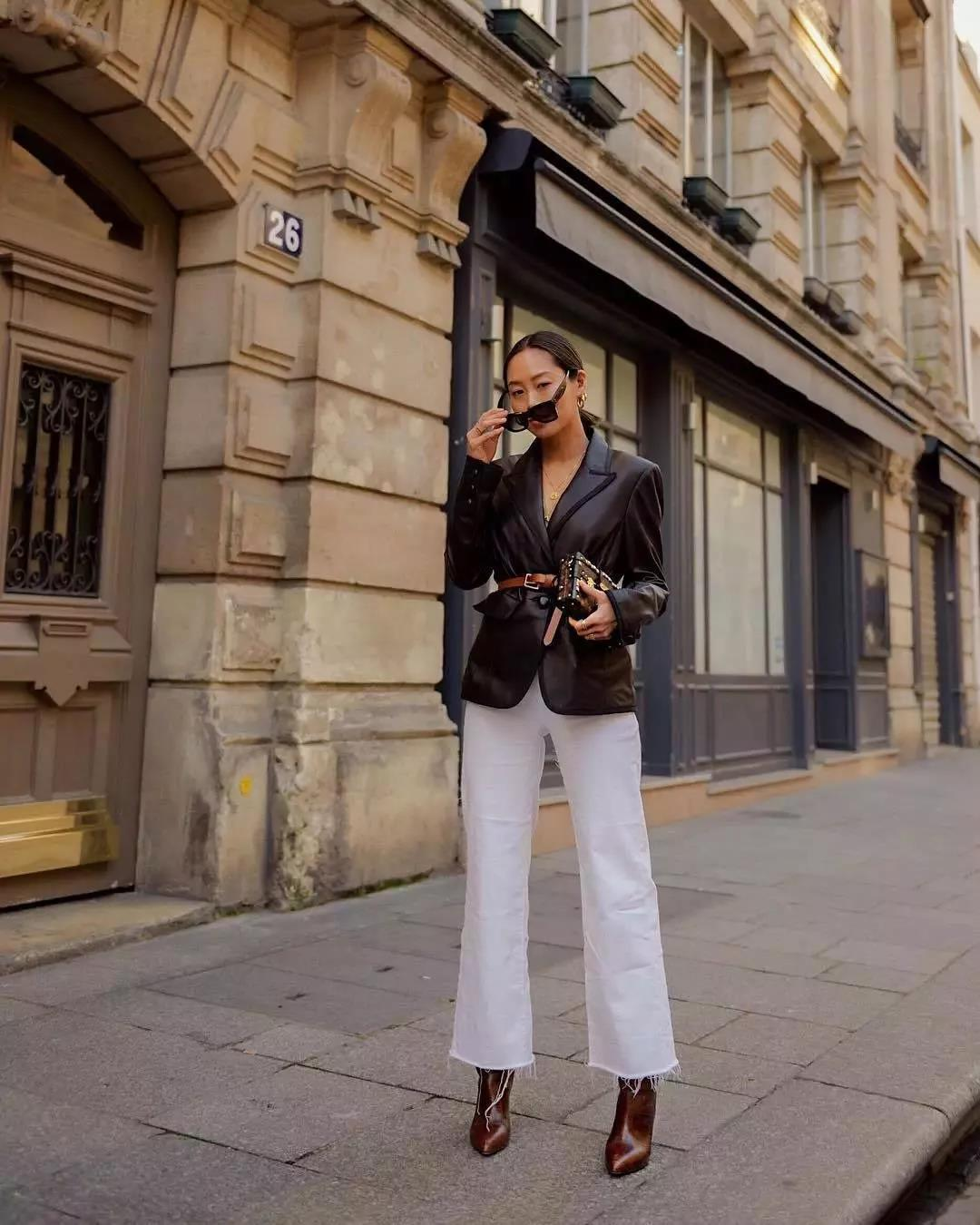 Stylish and chic white jeans for fall and winter