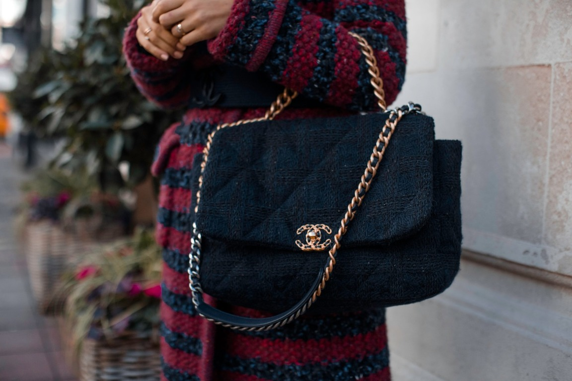 Top 5 Fashionable Handbags 2025 Worth Investing