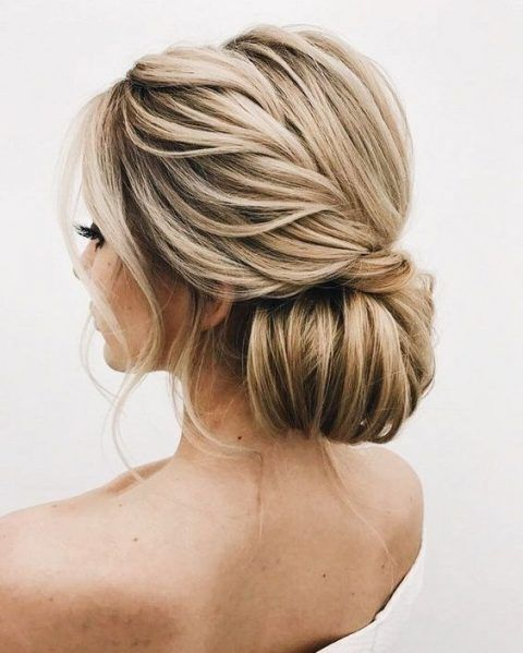 Gorgeous Updo Hairstyles for Any Occasion