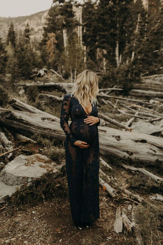Heartmelting Maternity Photo Ideas You Must Have
