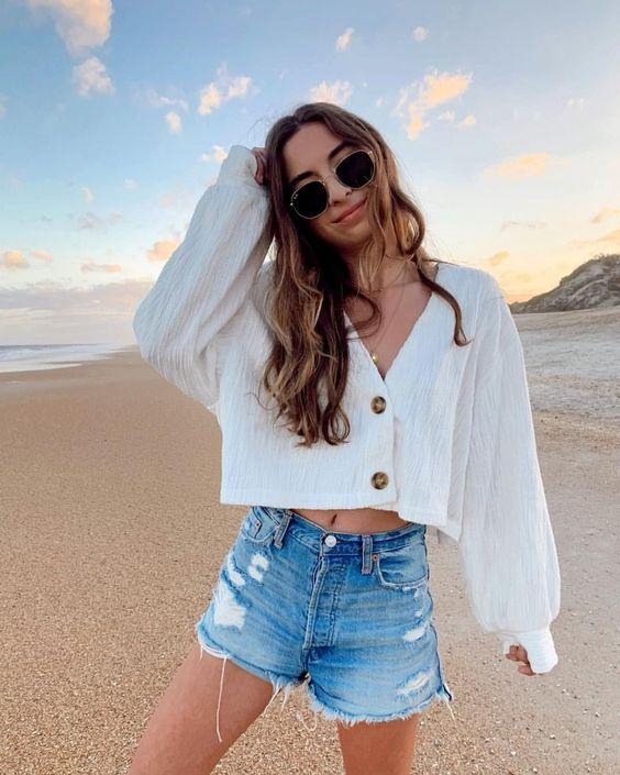Trendy and Chic Beach Outfits Ideas for 2020