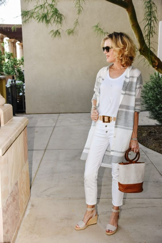 Stylish Summer Outfits for Women Over 40