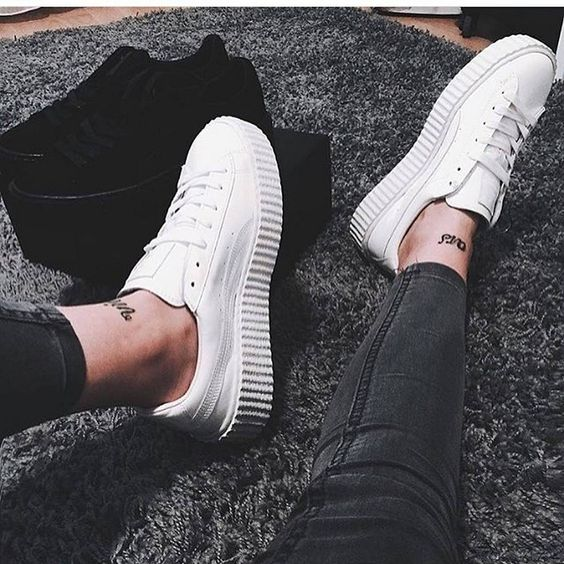 Versatile and Comfortable White Sneakers for Any Occasion