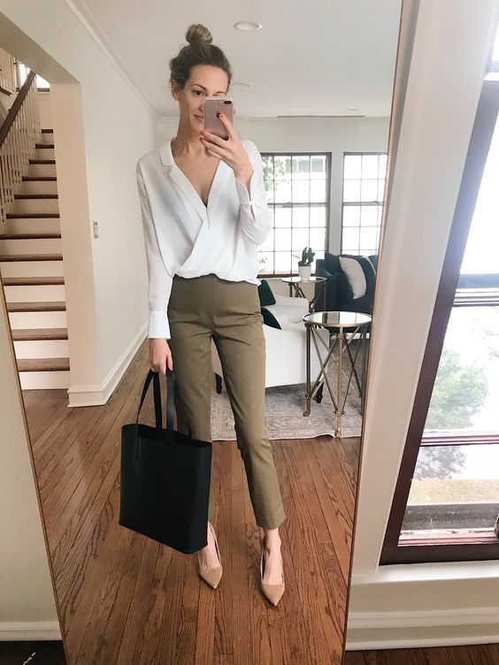 Stylish Summer Work Outfits for Women